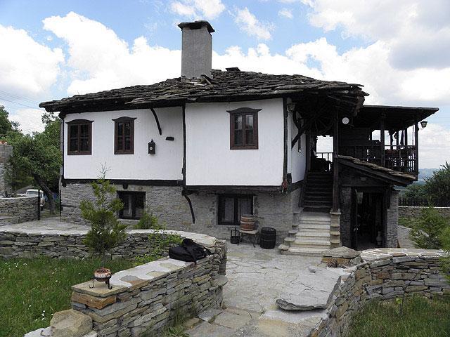 Огняновата Къща - снимка 1