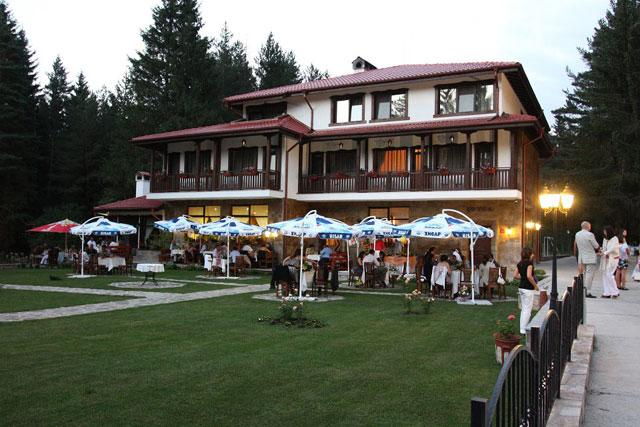Хотел-ресторант Свети Георги - снимка 3