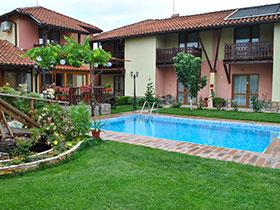 Семеен хотел Градина