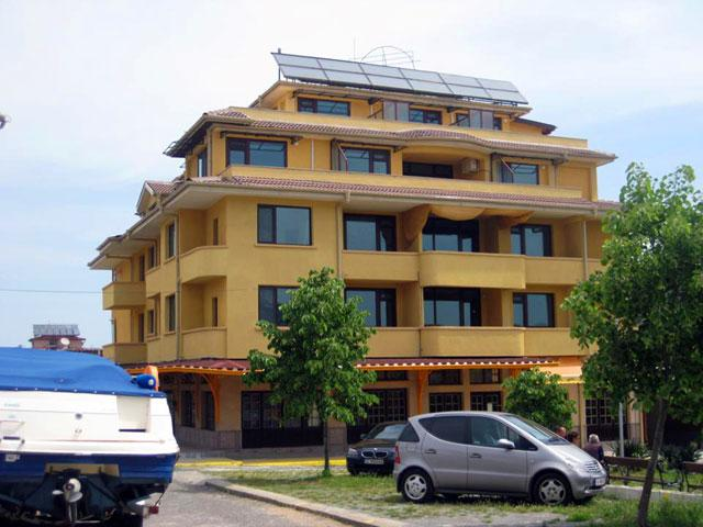 Хотел Чиплаков - снимка 3