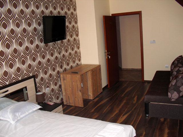 Семеен хотел Малибу - снимка 17