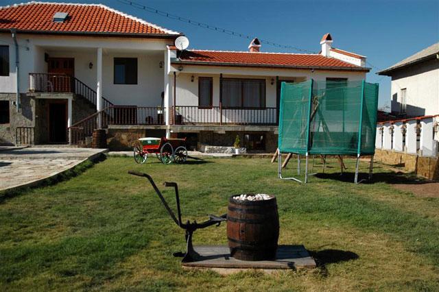 Къща Вила Вълчаница - снимка 1