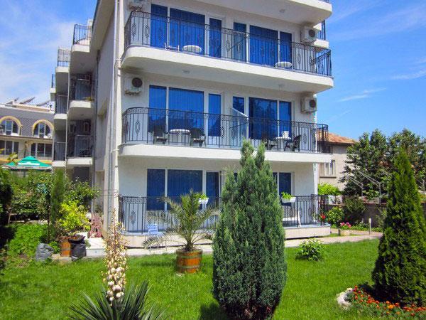 Хотел Албатрос 2 - снимка 1