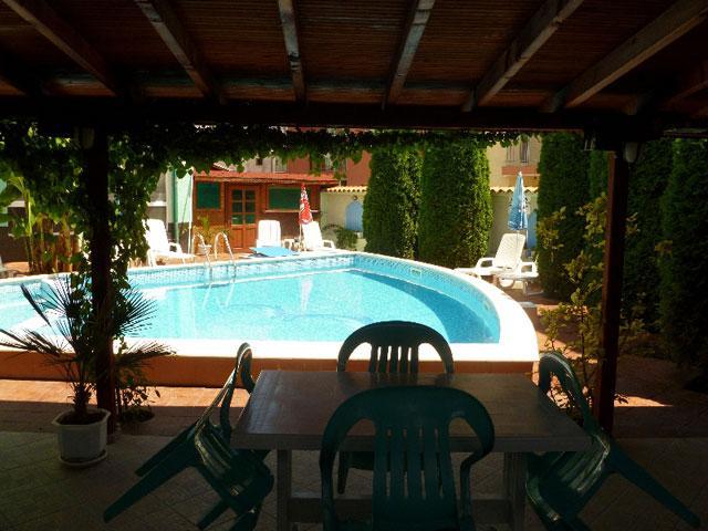 Къща за гости Делфин - снимка 9