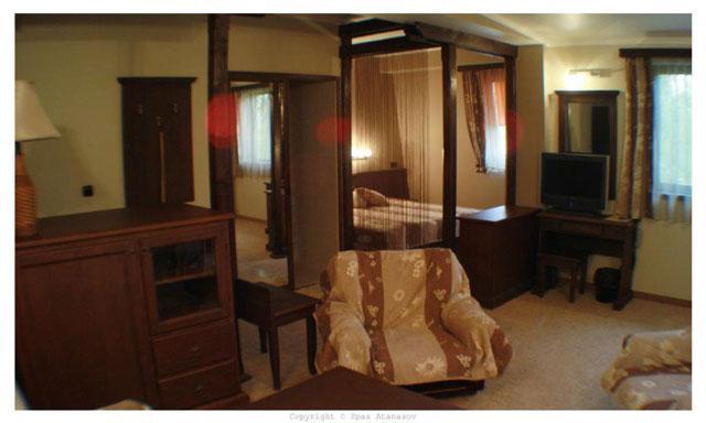 Семеен Хотел Малкият Хан - снимка 8
