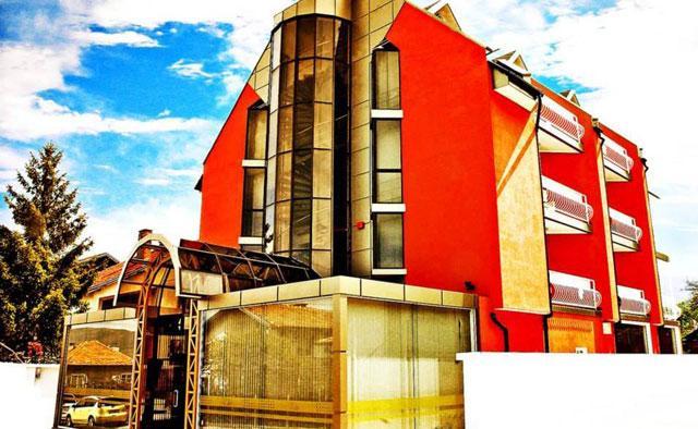 Хотел Виа Лакус - снимка 1