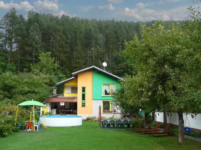 Къща Вила Colour - снимка 1
