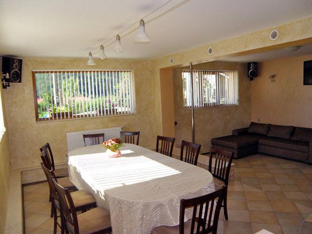 Къща за гости Карина - снимка 9