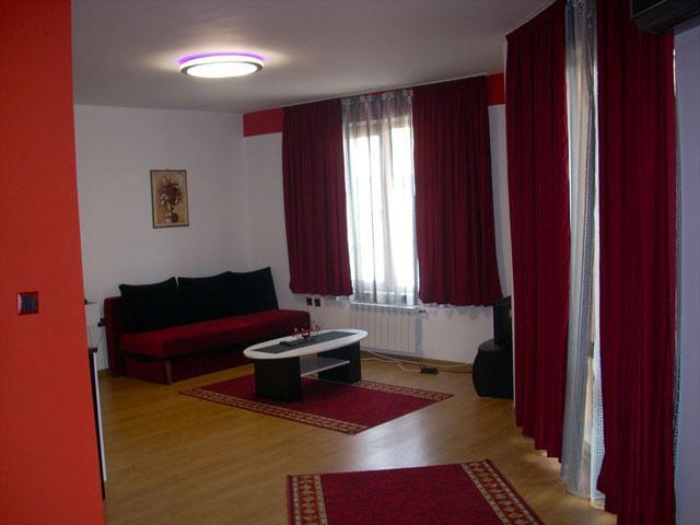 Семеен хотел Гелов - снимка 1