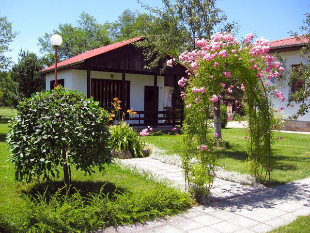 Бунгала Лъки - снимка 1