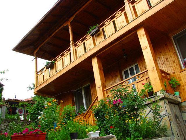 Семеен Хотел Роден дом - снимка 1