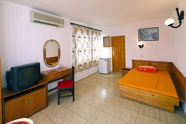 Семеен хотел Флора - снимка 10
