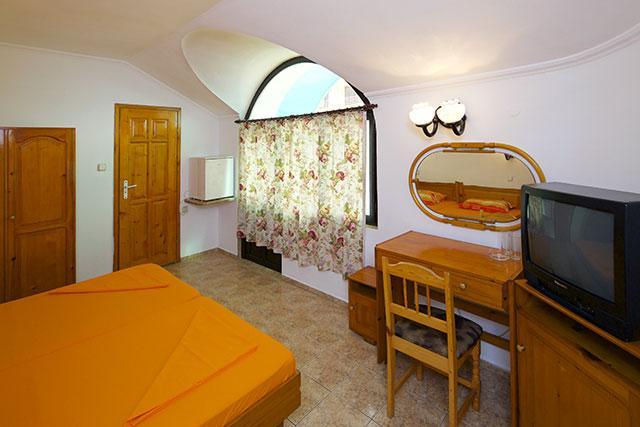 Семеен хотел Флора - снимка 11