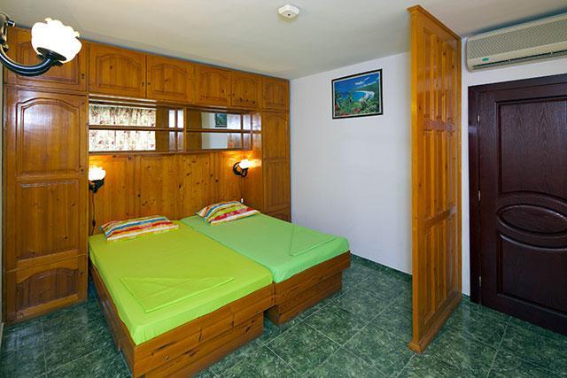 Семеен хотел Флора - снимка 12