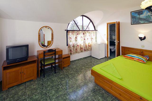 Семеен хотел Флора - снимка 13