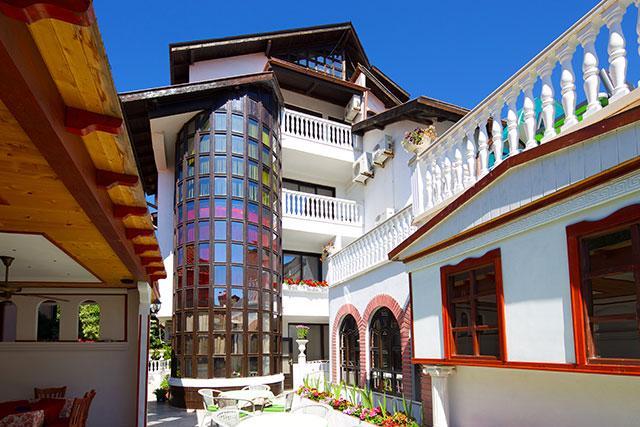 Семеен хотел Флора - снимка 1