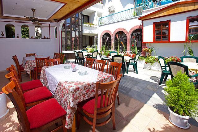 Семеен хотел Флора - снимка 20