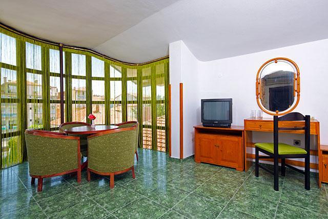 Семеен хотел Флора - снимка 28