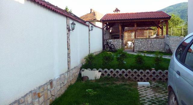 Къща за гости Камелия - снимка 13