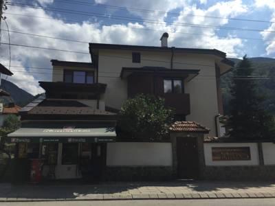 Къща за гости Мира
