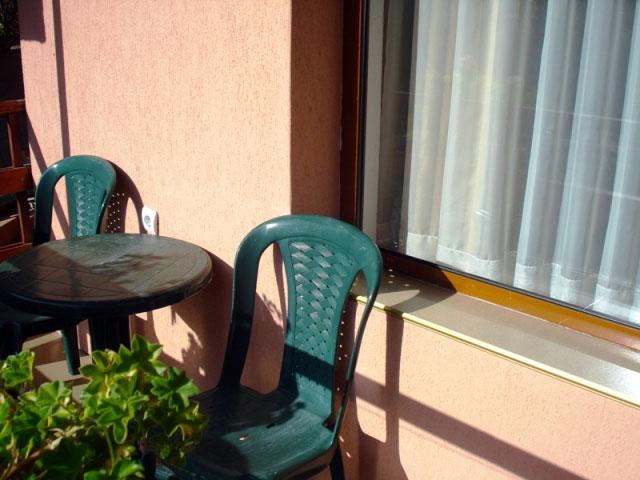 Къща за гости Слънчев ден - снимка 16