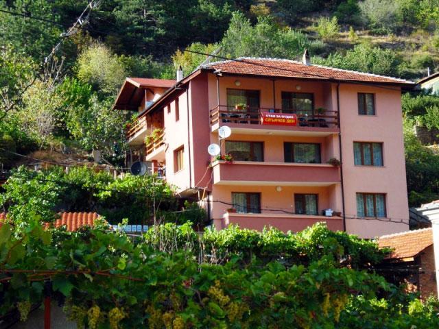 Къща за гости Слънчев ден - снимка 1