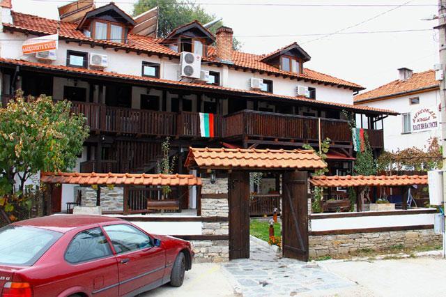 Хотел Алексова Къща - снимка 1