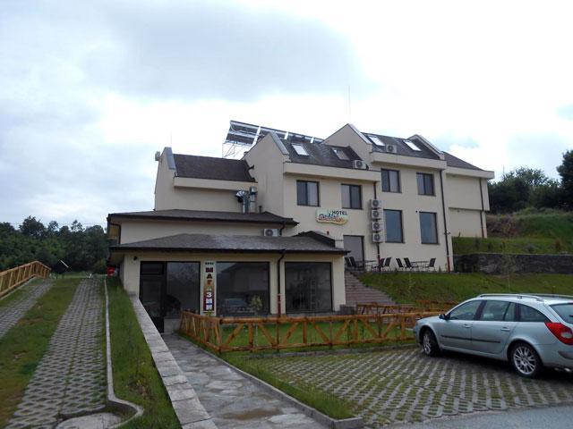 Хотел Енчеви - снимка 2