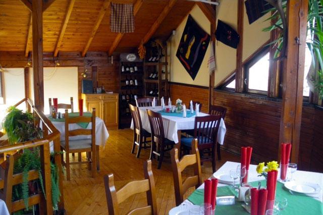Ресторант-механа Златното агне - снимка 2