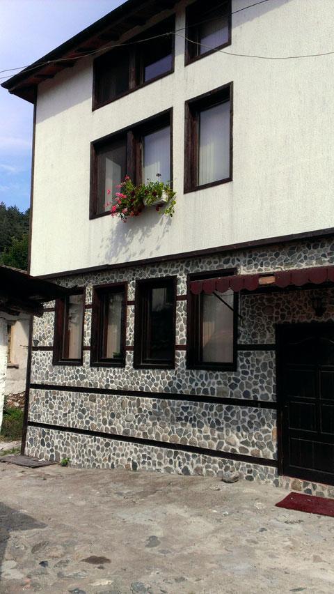 Къща за гости Нора - снимка 2