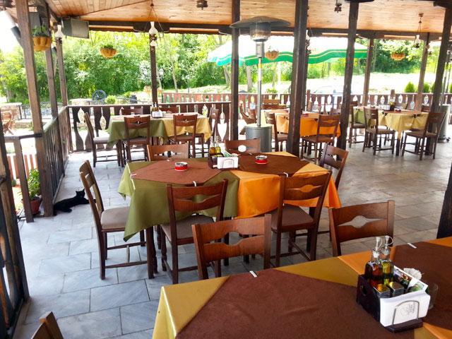 Хотел-ресторант Етно Чакала - снимка 1
