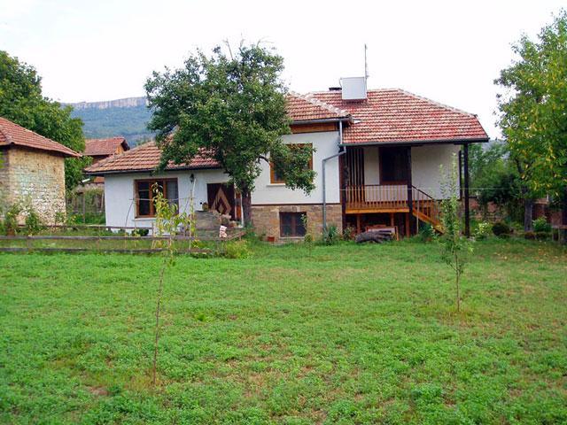 Еко селище Радост - снимка 1