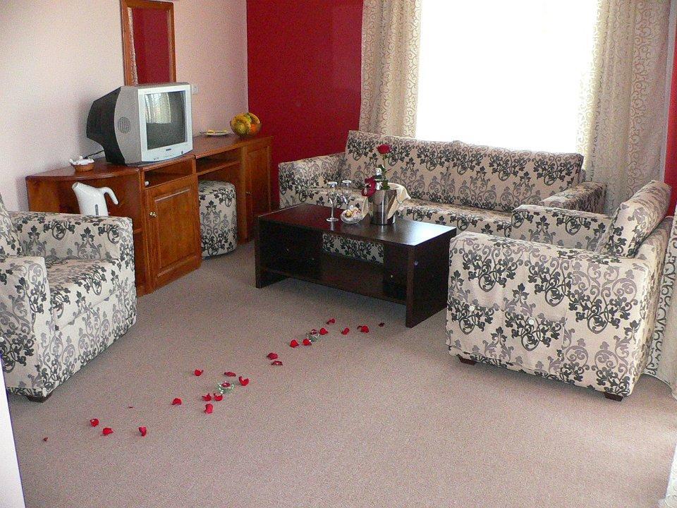 Хотел Гайтани - снимка 3