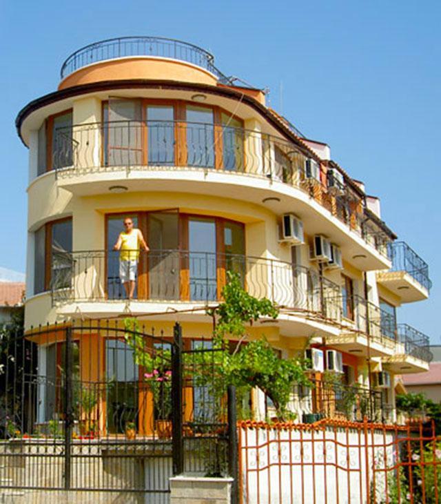 Хотел Дунав - снимка 1