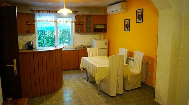 Къща за гости Флора - снимка 5