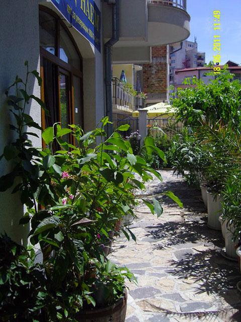 Къща за гости Демира - снимка 10