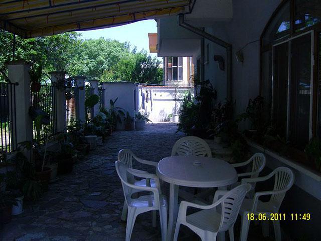 Къща за гости Демира - снимка 11
