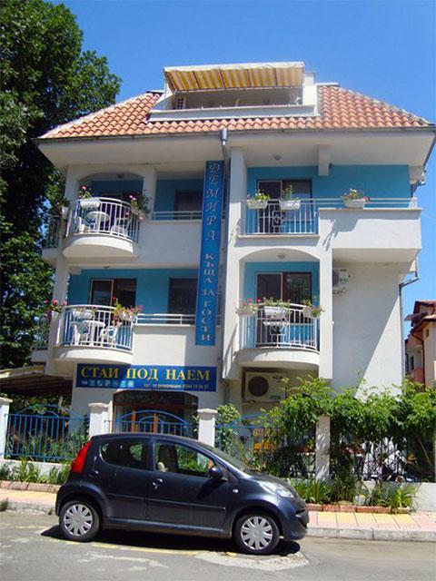 Къща за гости Демира - снимка 1