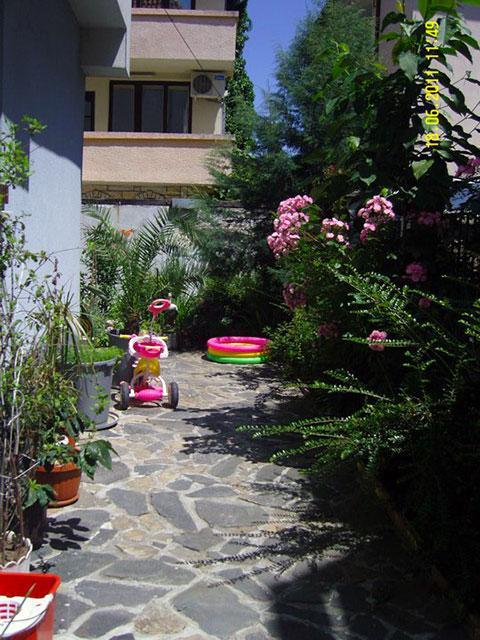 Къща за гости Демира - снимка 9