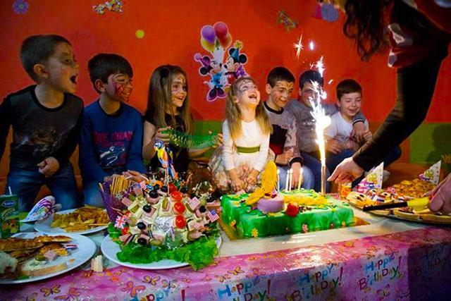 Детски парти център Усмивка - снимка 12