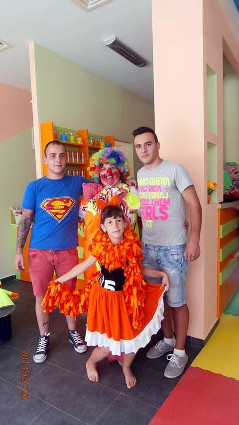 Детски парти център Усмивка - снимка 15