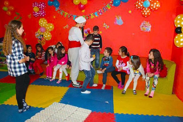 Детски парти център Усмивка - снимка 7