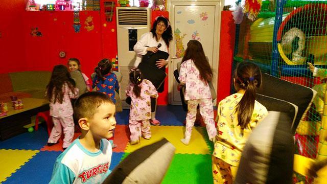 Детски парти център Усмивка - снимка 8