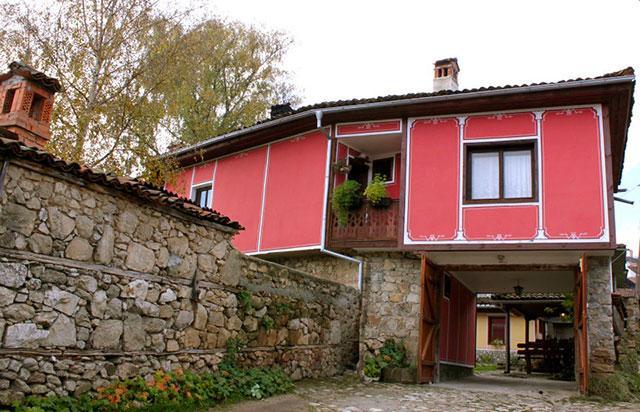 Къща за гости Ненчова къща - снимка 1