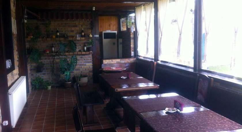 Тончовата къща за гости и механа - снимка 7