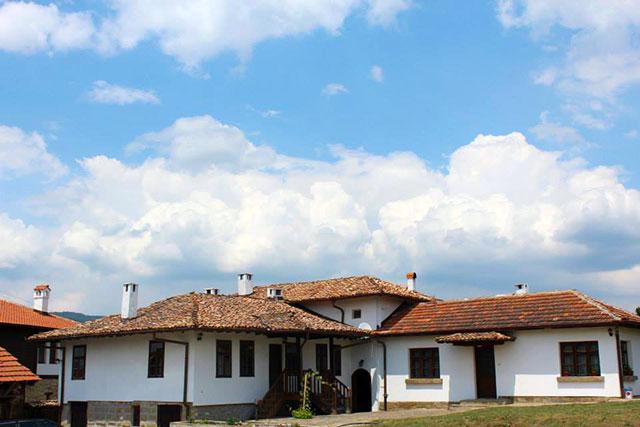 Къща за почивка Премиер - снимка 4