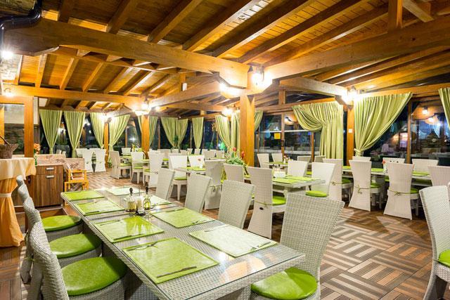 Хотел Green Wood - снимка 8