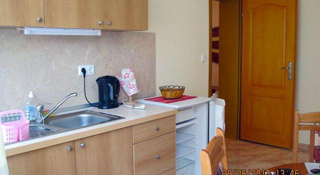 Къща за гости Надин - снимка 8