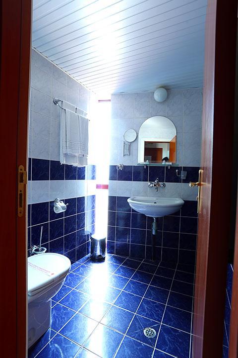 Хотел Бяла къща - снимка 18