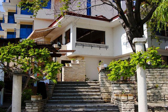 Хотел Бяла къща - снимка 23